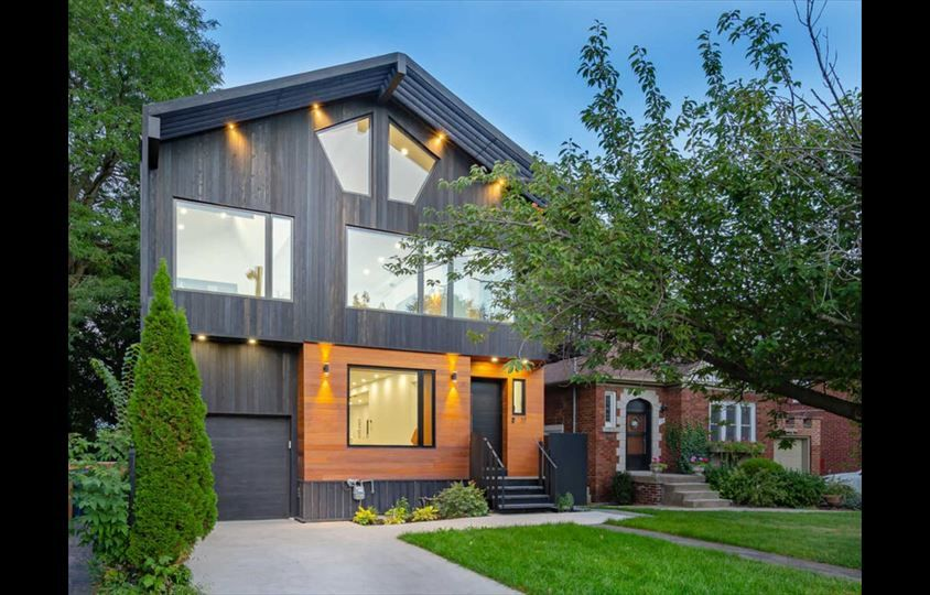 17 Stanley Ave is For Sale