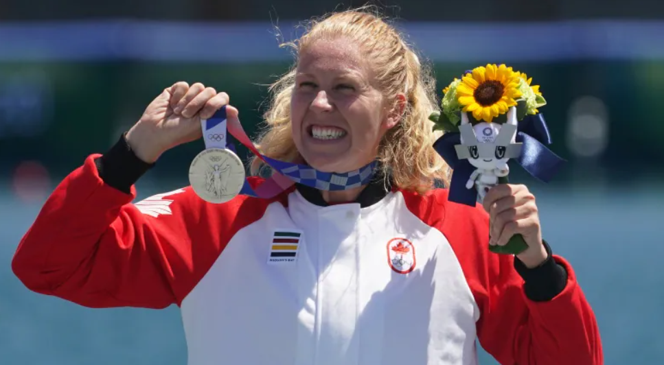 Laurence Vincent Lapointe Wins Silver in the Canoe Sprint Women's C-1 200m 🥈